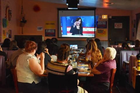 La senadora Kamala Harris participó en el debate para exponer su visión de los Estados Unidos ...