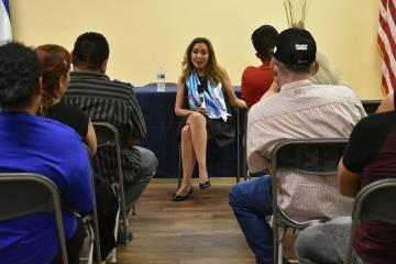 La abogada de inmigración Kathia Pereira ofreció una conferencia informativa sobre el TPS par ...