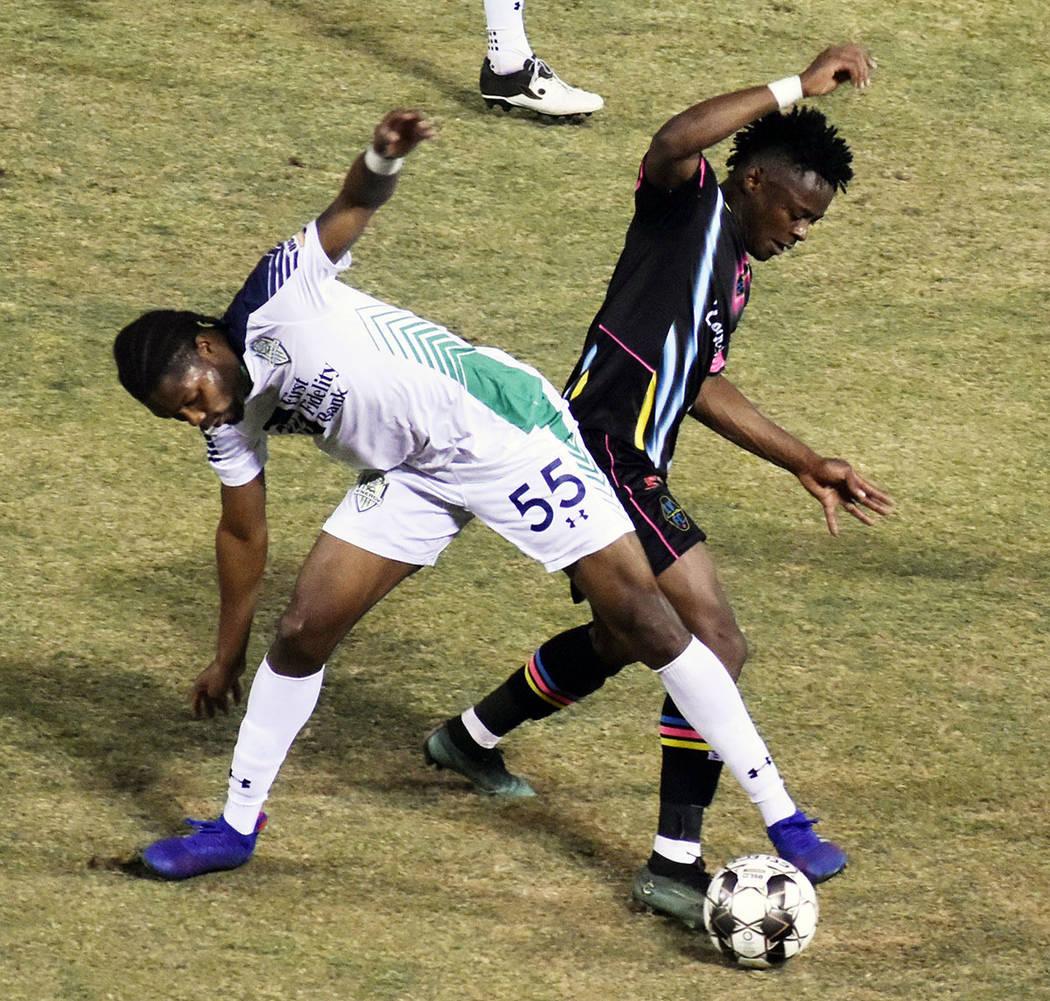Tabor Etaka Preston (19) fue una pesadilla para la defensa de OKC Energy FC. Sábado 29 de juni ...