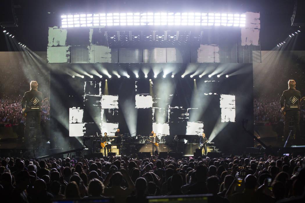 Paul McCartney se presenta en T-Mobile Arena en Las Vegas el viernes 28 de junio de 2019. McCar ...