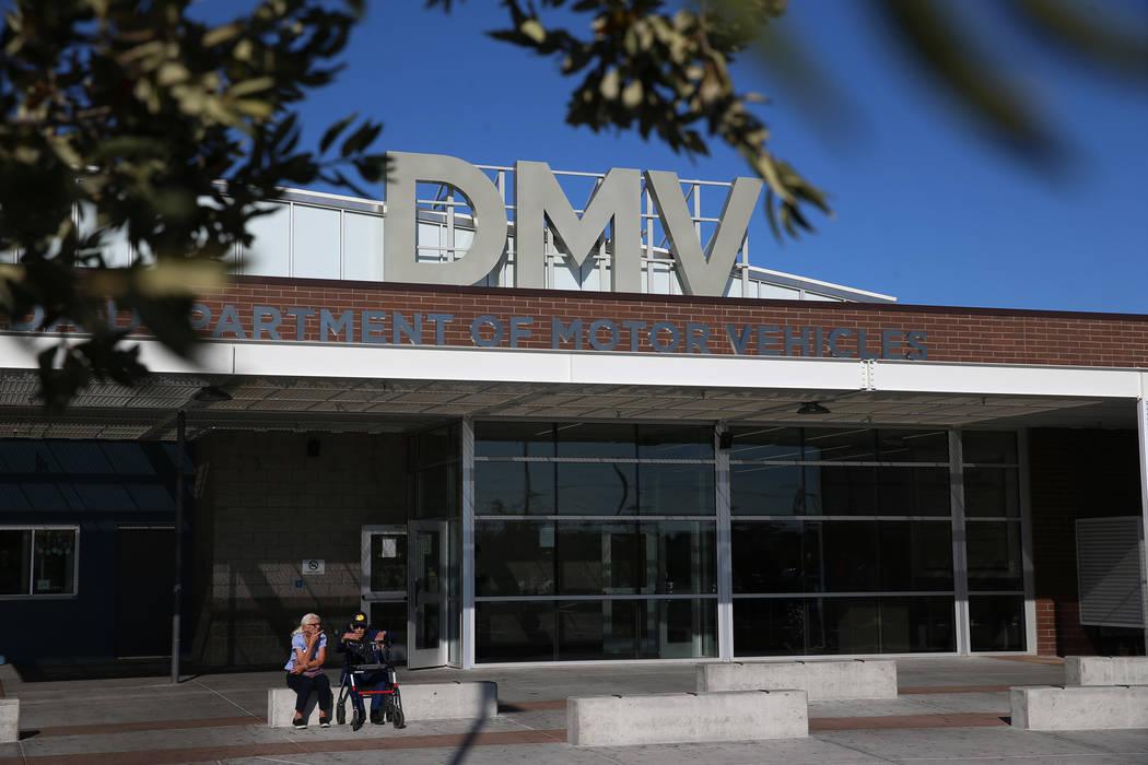 Un ex contratista del DMV alegó mala conducta por parte de su personal en una modernización i ...