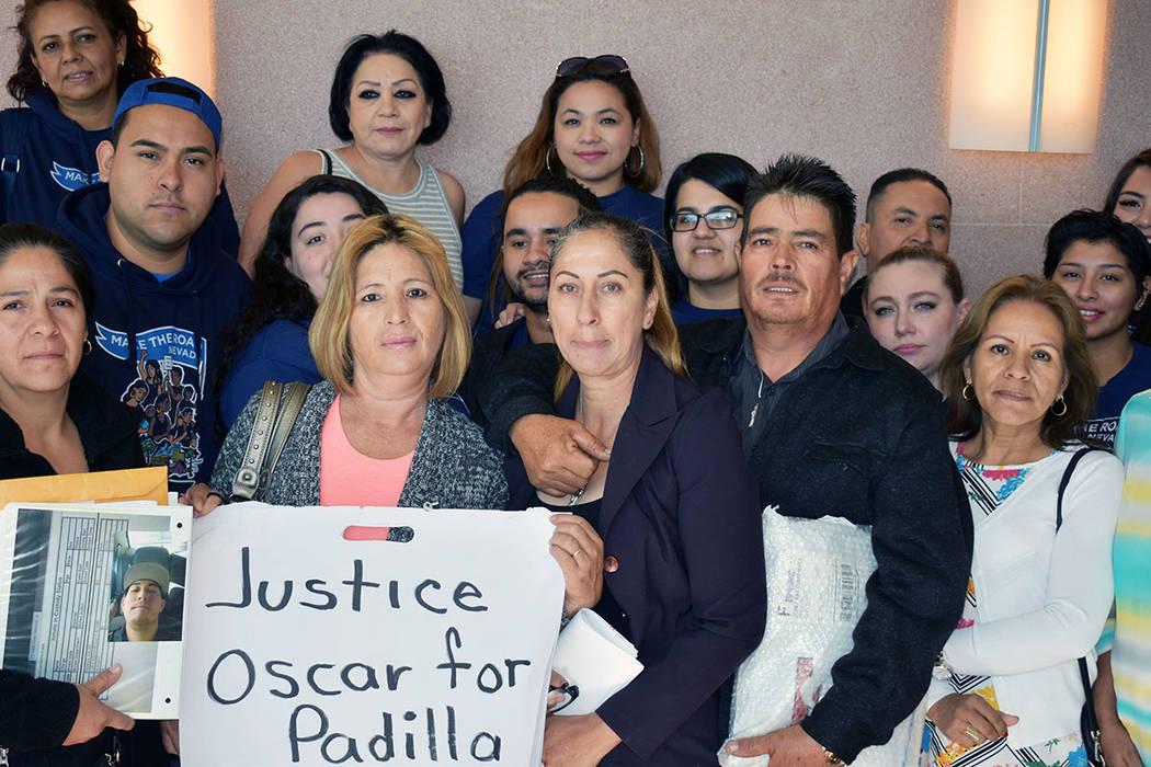 La organización Make The Road Nevada se sumó en apoyo a la familia de Óscar Padilla. Miérco ...