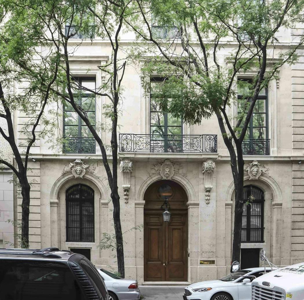 La residencia de Jeffrey Epstein en Manhattan, el lunes 8 de julio de 2019, en Nueva York. Los ...