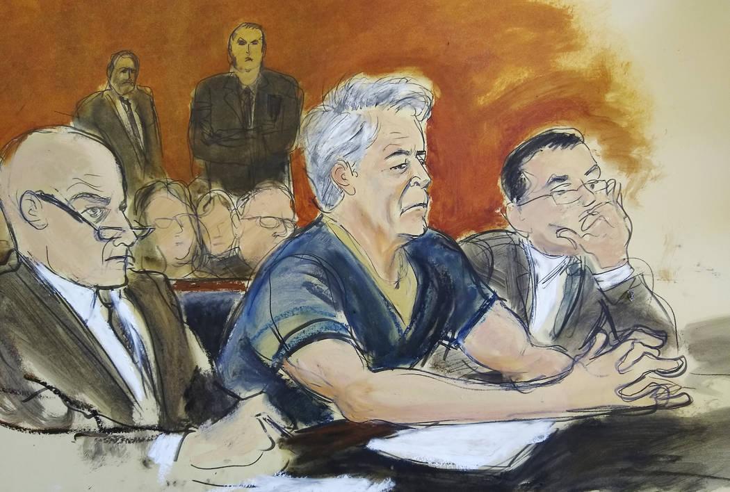En el bosquejo del juzgado, el acusado Jeffrey Epstein, al centro, está sentado con los abogad ...