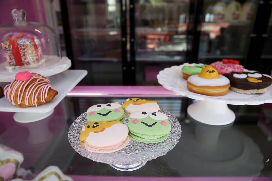 Macaroons en el Hello Kitty Cafe durante un preestreno para los medios para el local emergente ...