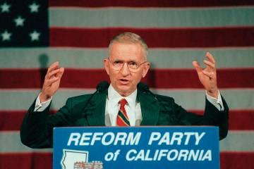 El ex candidato presidencial Ross Perot se dirige a la primera convención estatal de Californi ...