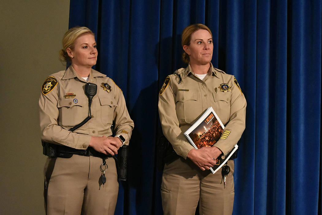 El alguacil de LVMPD, Joe Lombardo, estuvo acompañado de la detective Stephanie Ward y la capi ...
