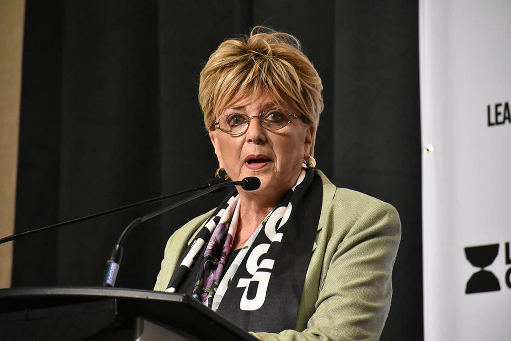 La alcaldesa Carolyn Goodman ha trabajado incansablemente por traer el fútbol profesional a La ...