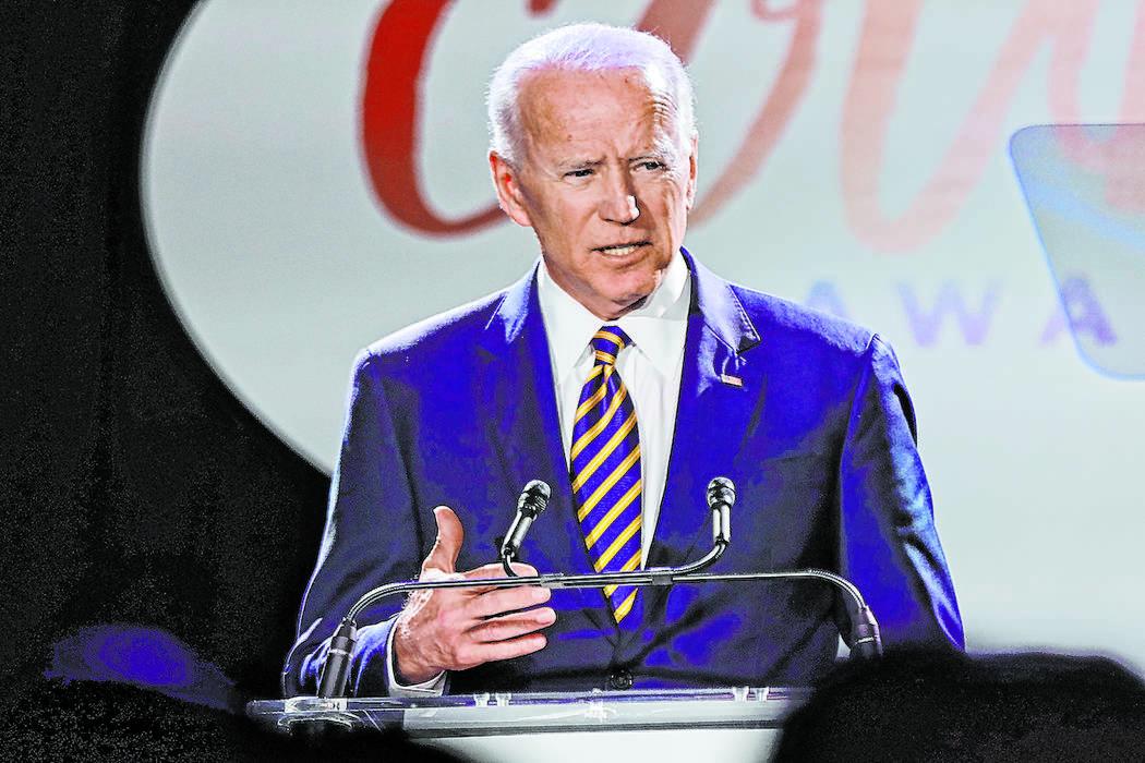 El ex vicepresidente Joe Biden habla en los Premios Biden al Valor el martes 26 de marzo de 201 ...