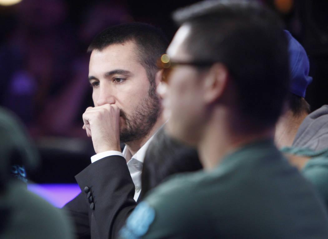 Dario Sammartino en la mesa final del evento principal durante la Serie Mundial de Poker en el ...