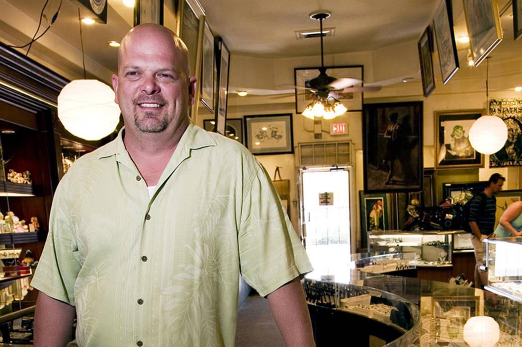 Rick Harrison se encuentra dentro de la tienda de empeño Gold & Silver en el centro de Las Veg ...
