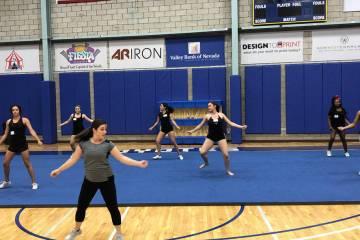 La veterana entrenadora colegial Tiffany Boulter dirigirá el programa como una entrenadora de ...