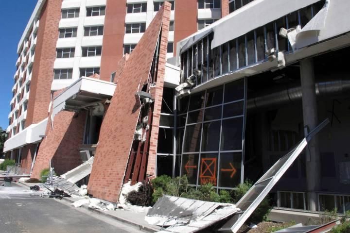 Ingenieros estructurales con experiencia en respuesta a terremotos y desastres naturales están ...