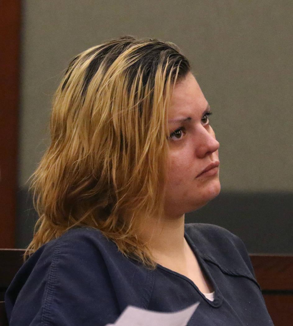 """Krystal Whipple, acusada de la muerte de la gerente de un salón de uñas Nhu """"Annie"""" Ngoc Nguy ..."""