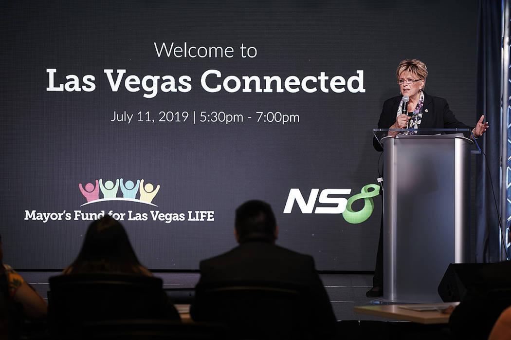 Carolyn Goodman, alcaldesa de Las Vegas, ha mostrado gran interés en cerrar la brecha tecnoló ...