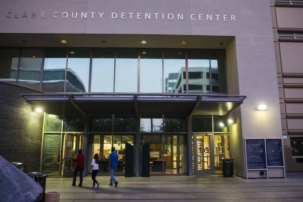 Centro de detención del Condado de Clark en el centro de Las Vegas. (Chase Stevens / Las Vegas ...