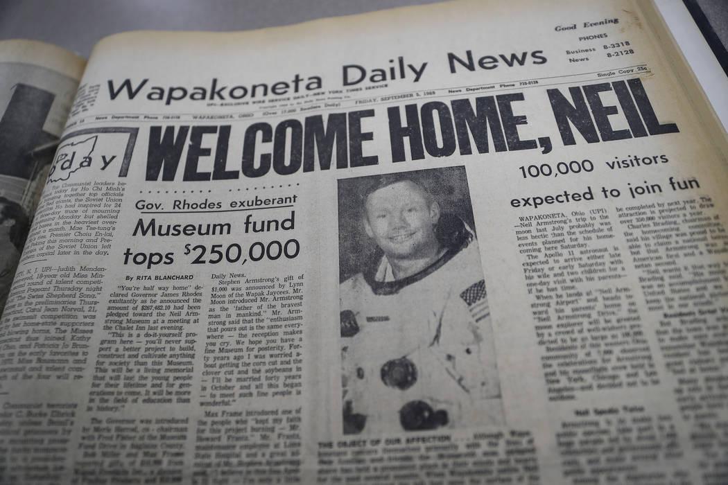 La primera página de Wapakoneta Daily News, fechada el 6 de septiembre de 1969, aparece fotogr ...