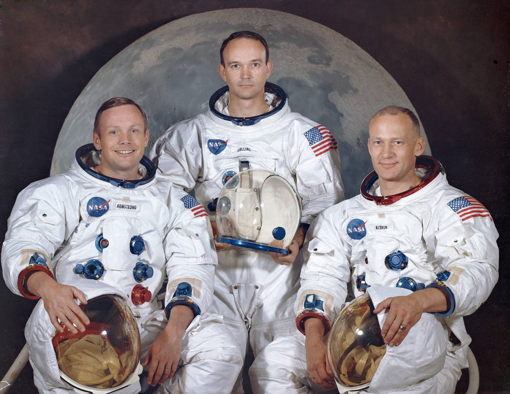 La tripulación del Apollo 11, desde la izquierda, Neil Armstrong, comandante; Michael Collins, ...