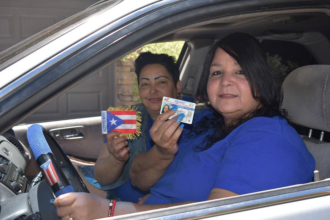 Milagros Lozada Rivera y María Isabel Álvarez Roldán se mostraron contentas por ya poder tra ...