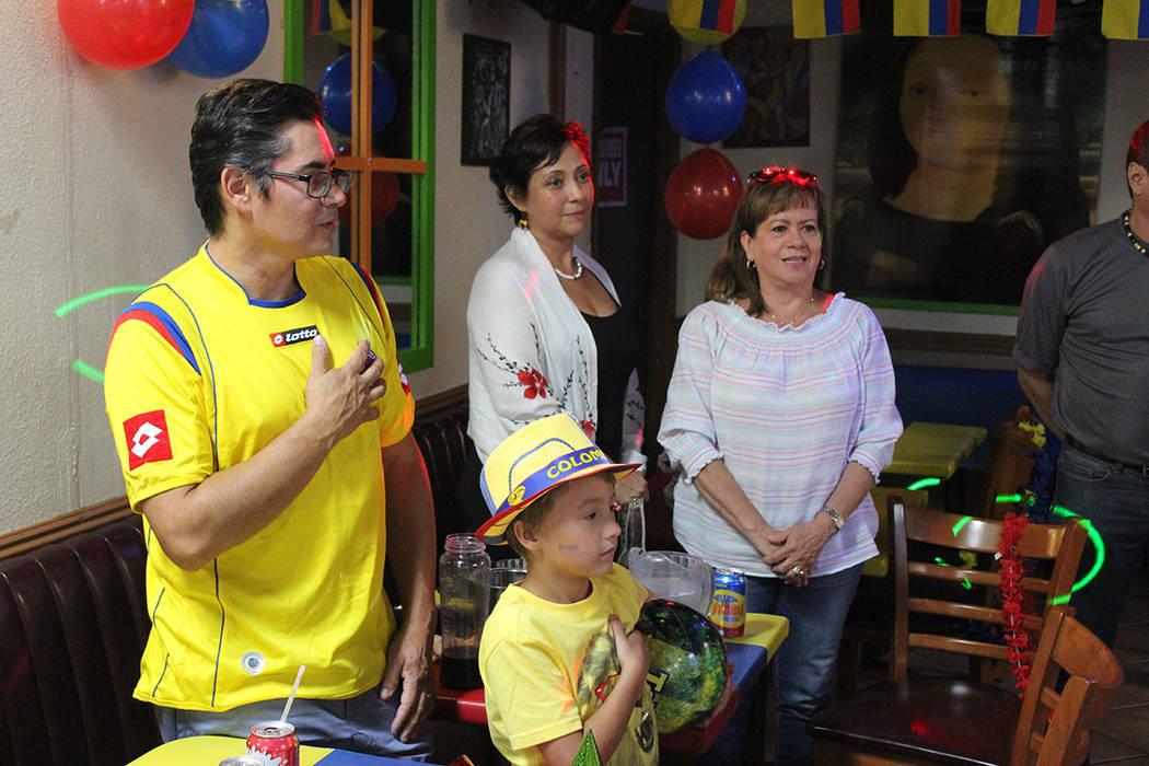 Hubo tiempo de luego de entonar su himno. Sábado 20 de julio del 2019 en Oiga, Mire, Vea. Foto ...