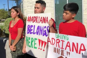 Activistas, legisladores y miembros de la comunidad se han sumado en apoyo a los hijos de Adria ...