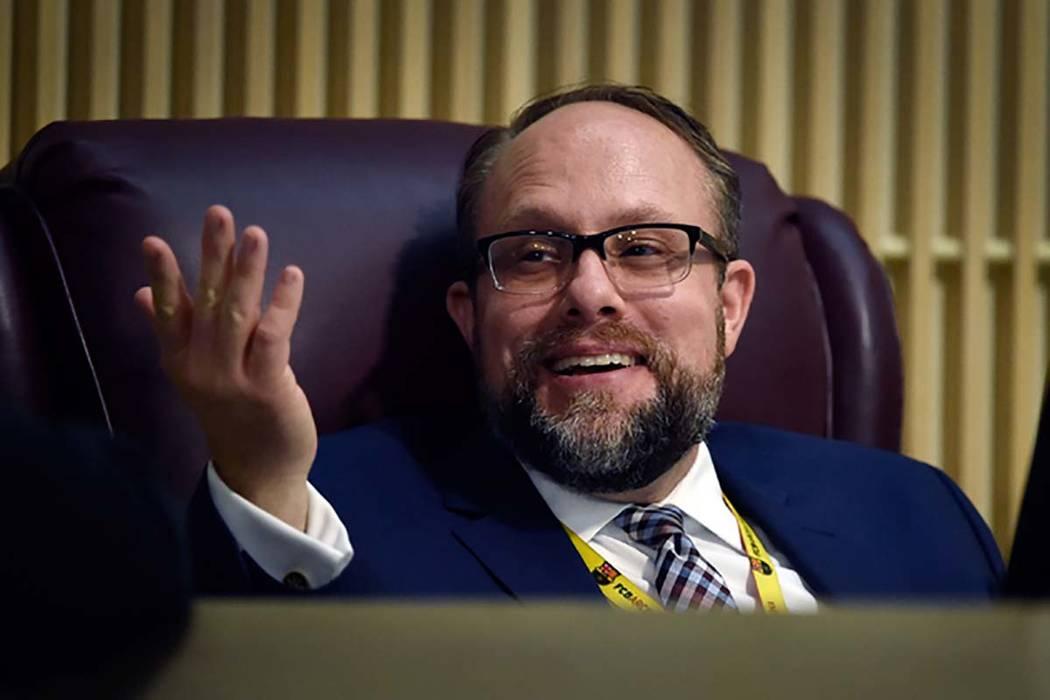 El ex abogado de Henderson City, Josh Reid, durante una reunión del Concejo Municipal el marte ...