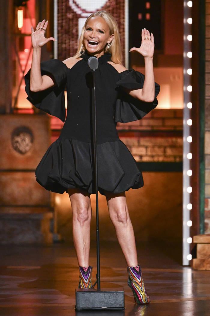 Kristin Chenoweth habla en la 73a entrega anual de los Premios Tony en el Radio City Music Hall ...