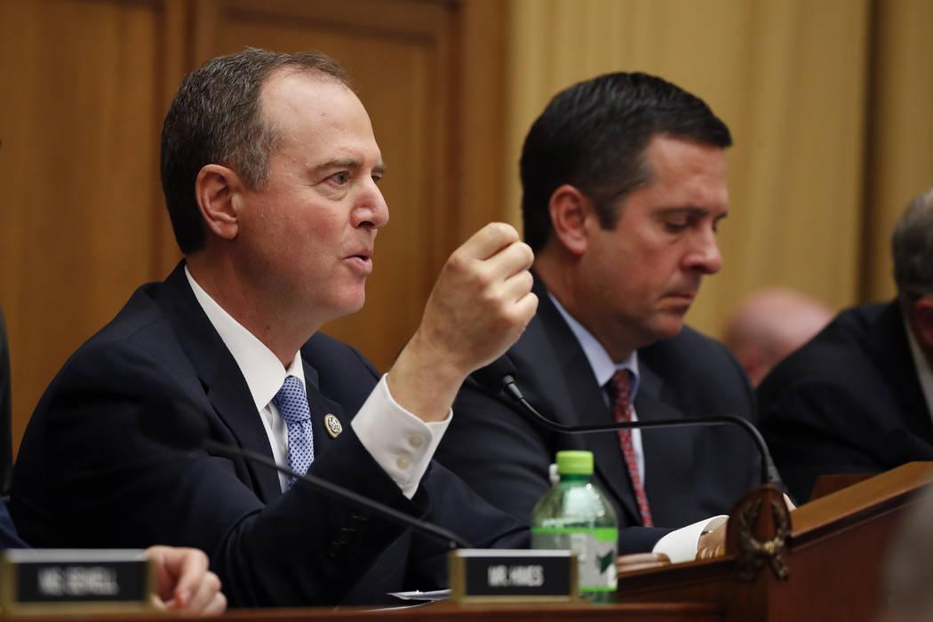 El presidente del Comité de Inteligencia de la Cámara de Representantes, Adam Schiff, demócr ...