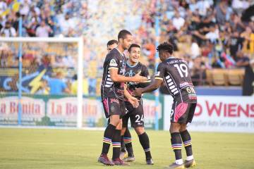 Las Vegas Lights FC venció 2-1 a Toros RGV FC, en juego dedicado a fomentar la importancia de ...