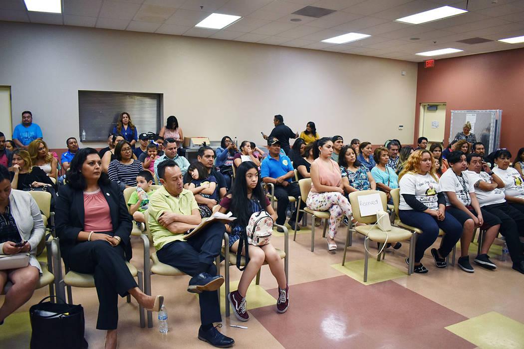 La Coalición de Migrantes Mexicanos de Las Vegas y la Red de Liderazgo del Sureste realizaron ...