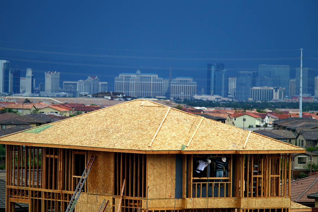 A medida que el aumento de los precios de las viviendas disminuye en gran parte de EU, los prec ...