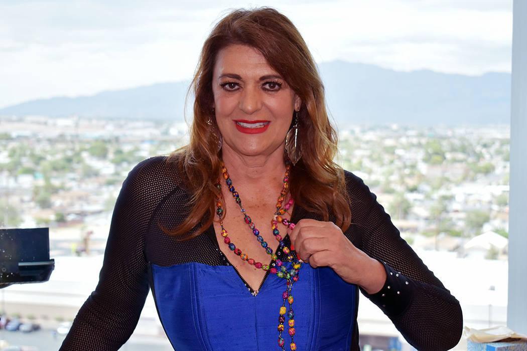 """Rosa Gloria Chagoyán es """"Lola La Trailera"""". En 2012 el entonces senador estatal Rubén Kih ..."""