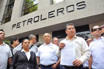 ARCHIVO. México, 27 May 2019 (Notimex-Alejandro Guzmán).- Los trabajadores presentaron un esc ...