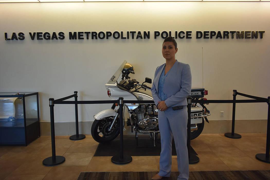 La oficial Alejandra Zambrano, portavoz del Departamento de Policía Metropolitana de Las Vegas ...