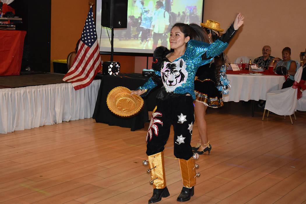 Yuli América Rivas Hurtado bailó en la celebración de la independencia del Perú en Las Vega ...