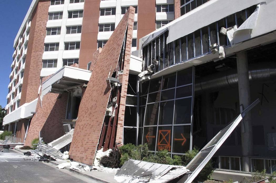 Los ingenieros estructurales con experiencia en respuesta a terremotos y desastres naturales es ...