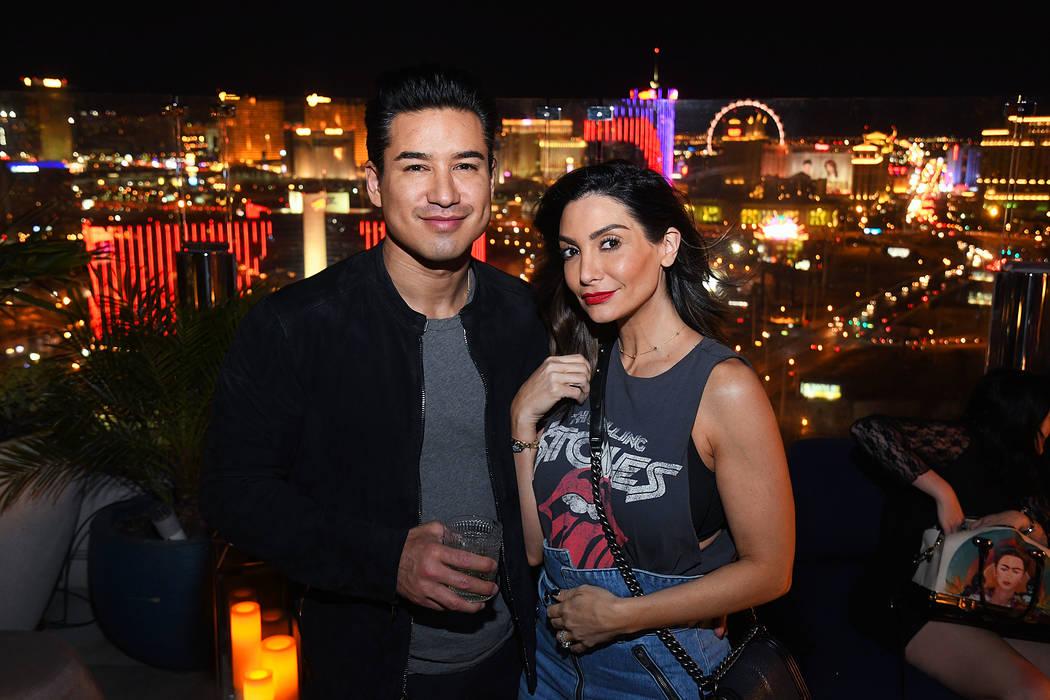 Mario López y su esposa Courtney López organizaron una celebración conjunta de cumpleaños e ...