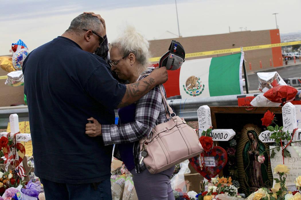 El Paso, Texas, 6 Ago 2019 (Notimex-Javier Lira).- Sobrevivientes y familiares de las víctimas ...