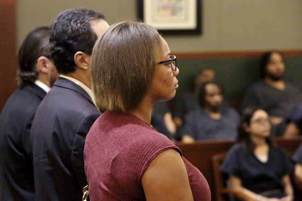 Cadesha Bishop, la mujer acusada de empujar a Serge Fournier de 74 años de un autobús, aparec ...