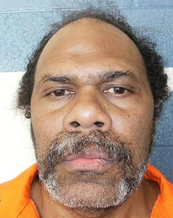 El recluso bajo condena de muerte, Paul Browning, permanece en la prisión estatal de Ely esper ...