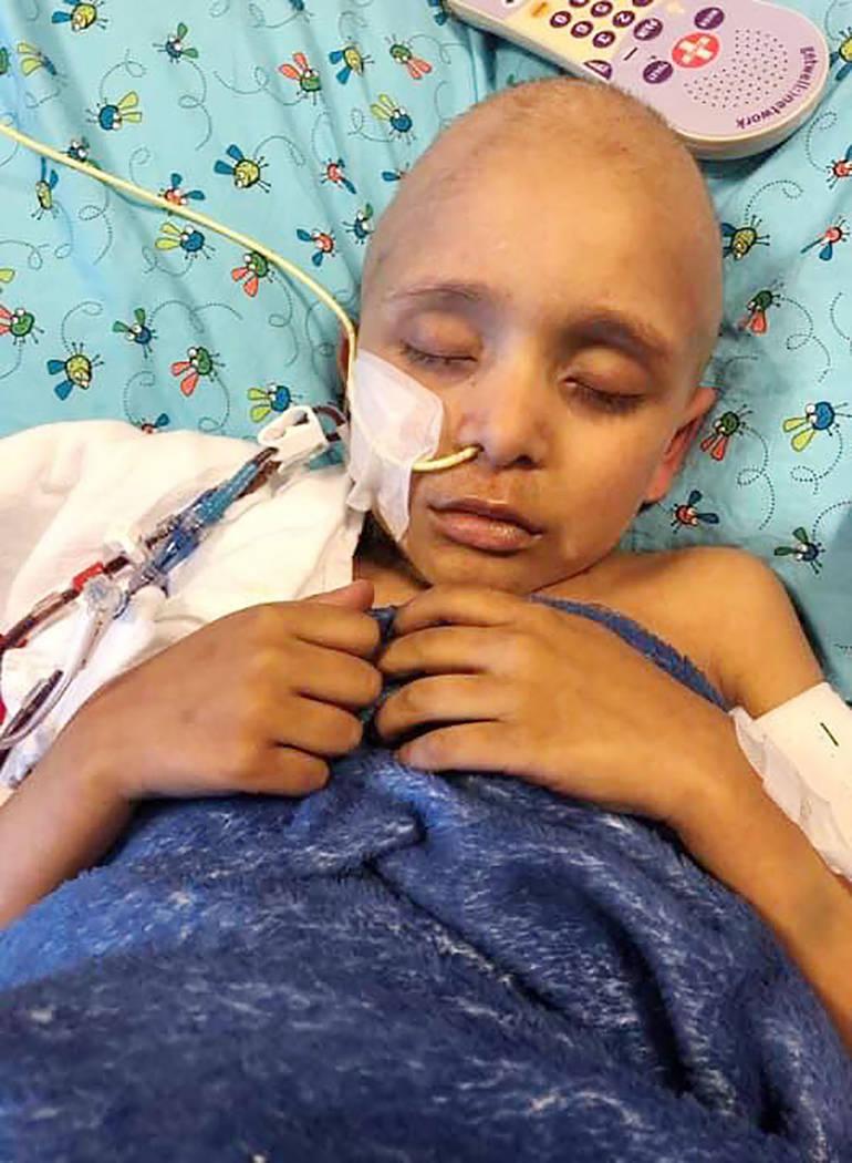 Jaydenn mantiene una lucha de vida o muerte contra la leucemia. [Foto cortesía Vanallara Barba ...