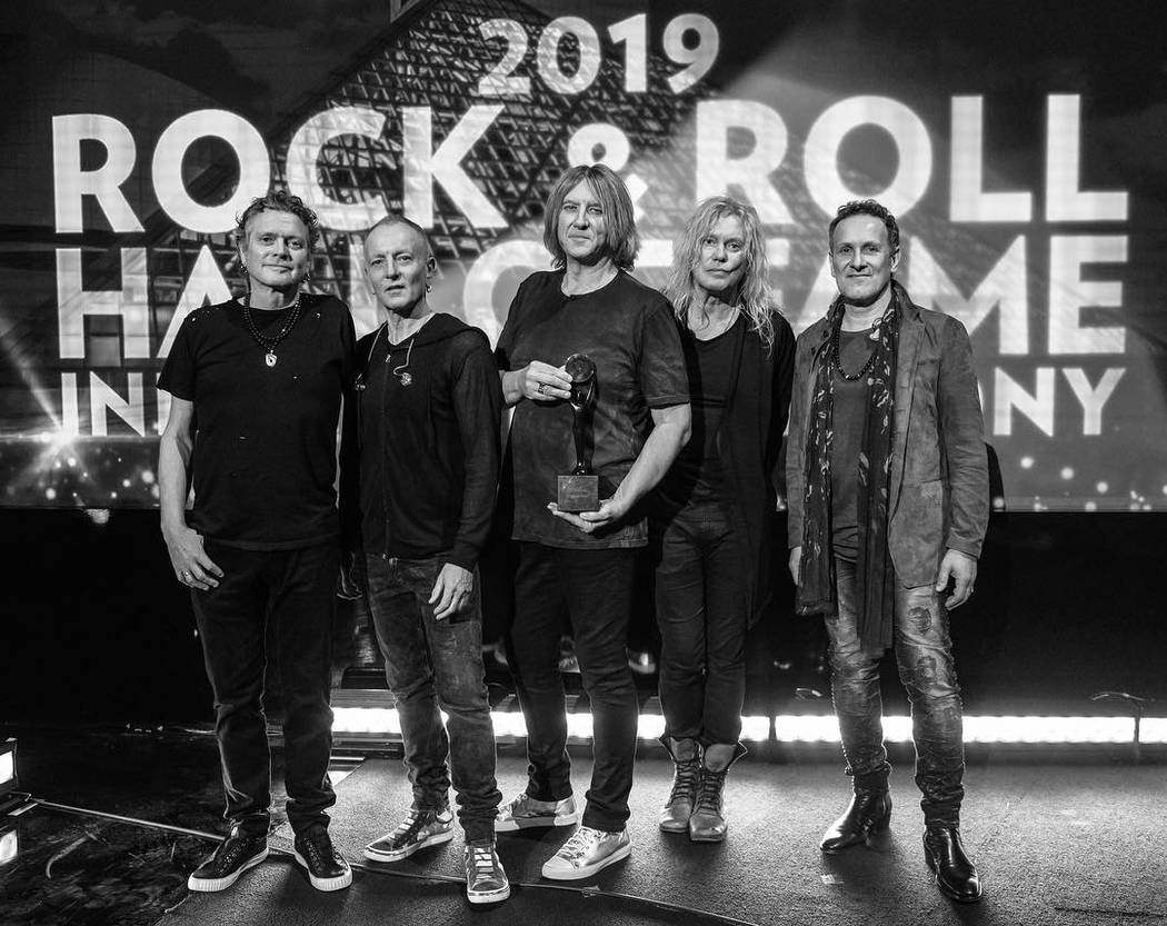 Def Leppard fue incluido en el Salón de la Fama del Rock and Roll en marzo.