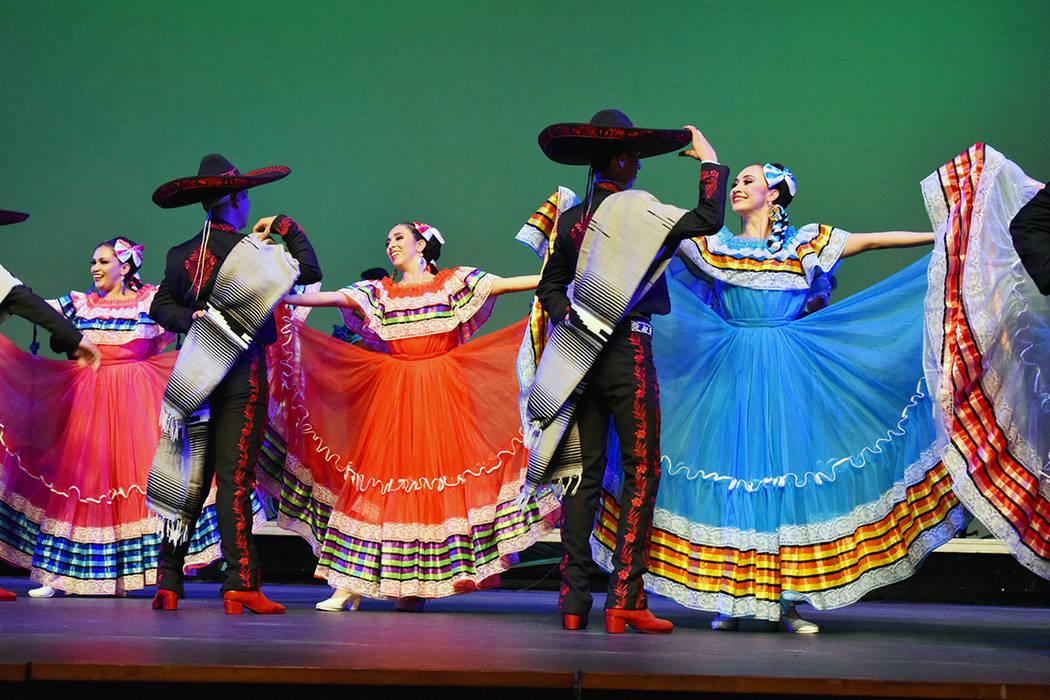 La gira en Estados Unidos recorrerá 13 mil kilómetros, en los que el folclor, las tradiciones ...