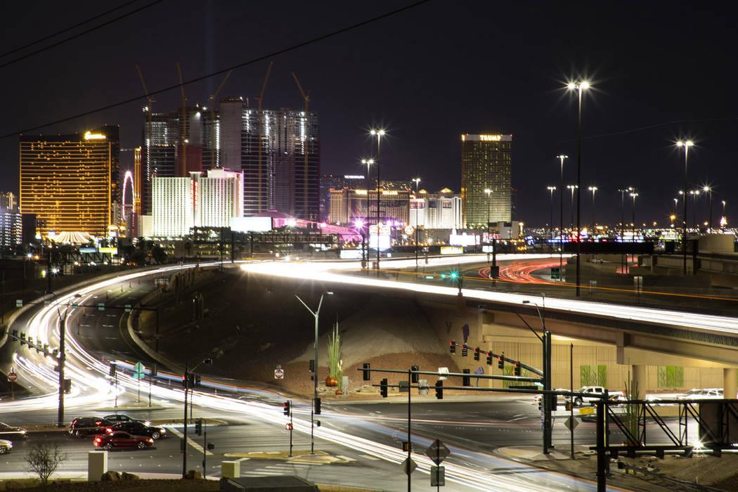 Project Neon mejoró Charleston Boulevard, mejorando la intersección en Industrial Road y mejo ...