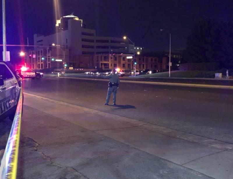 Oficiales de policía de Las Vegas responden después de un tiroteo con agentes involucrados en ...
