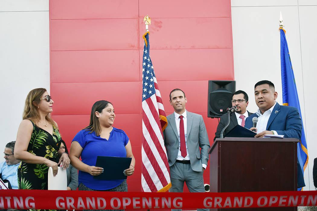 Las senadoras Catherine Cortéz-Masto y Jacky Rosen fueron representadas por Javier Rivera-Roja ...