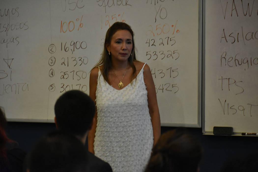 La abogada Kathia Pereira recomendó no mentir en solicitudes para obtener ayuda del gobierno. ...
