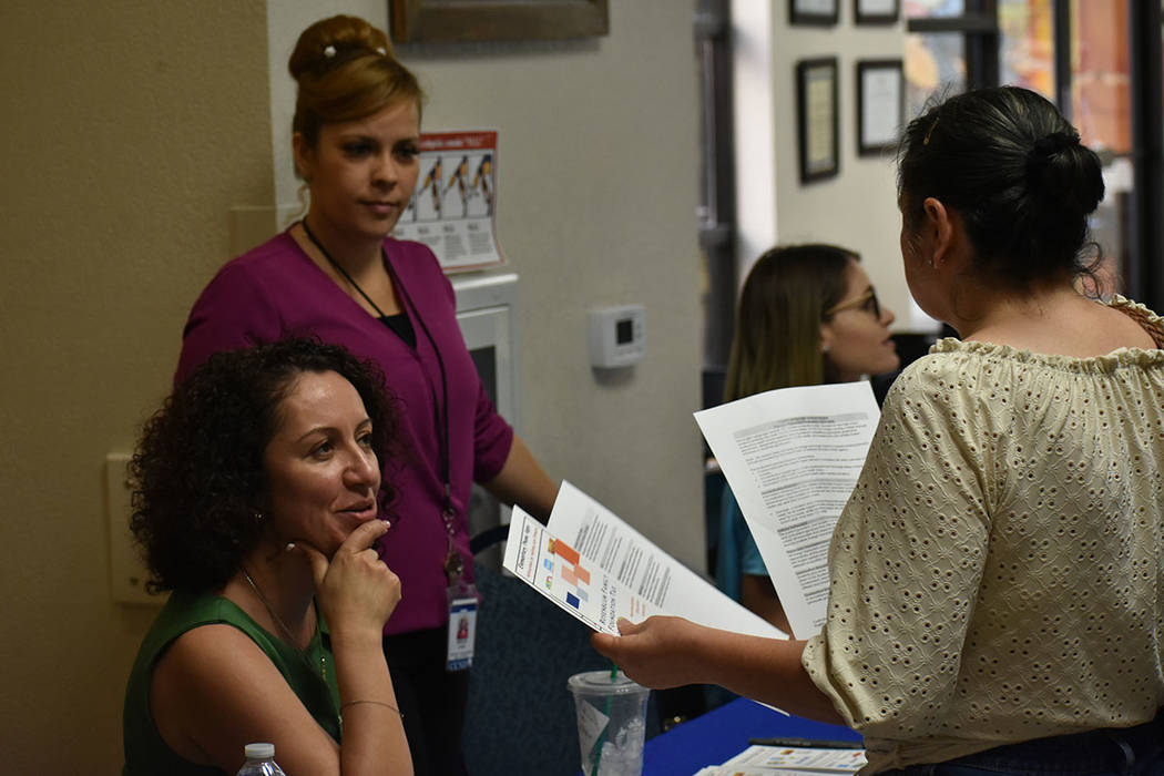 """La Casa del Inmigrante Las Vegas realizó la jornada informativa """"Día del Inmigrante"""". Sá ..."""