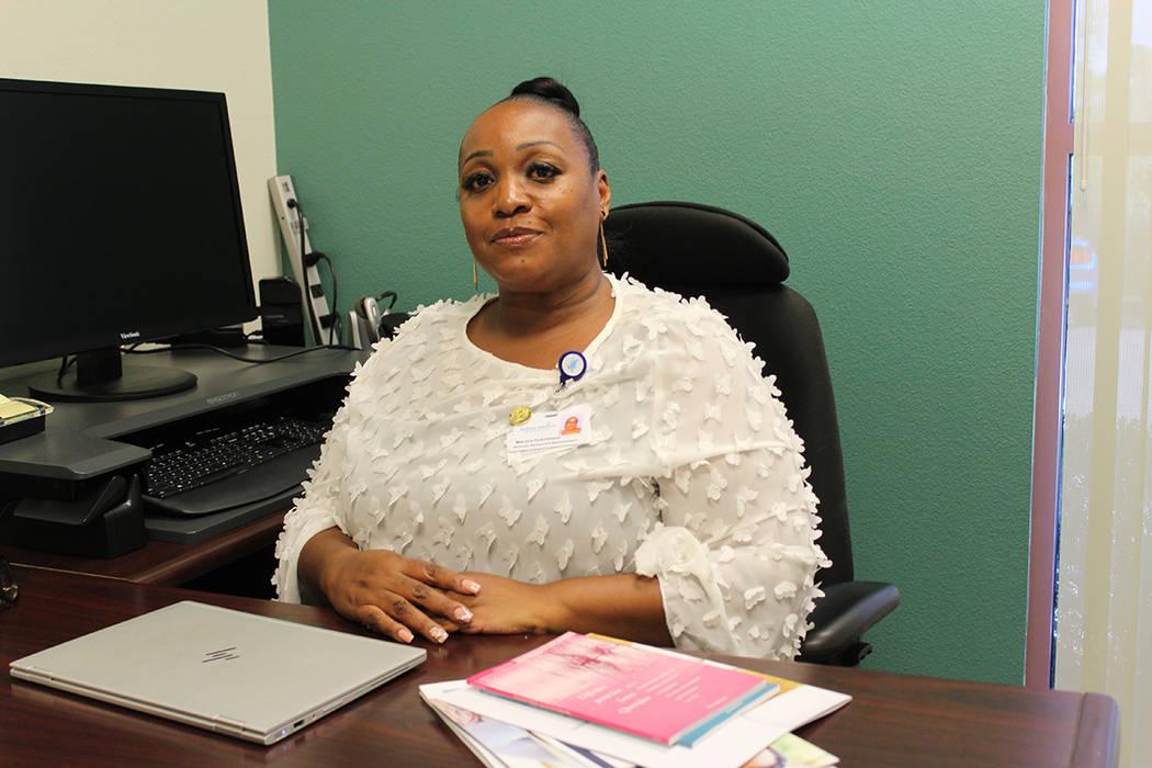 Maritza Hutchinson, representante de relaciones de negocios del hospicio Nathan Adelson, explic ...