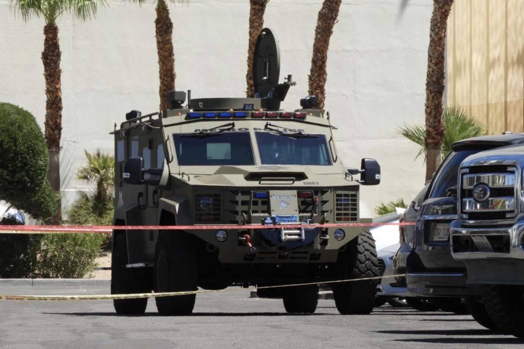 Oficiales del Departamento de Policía Metropolitana y miembros de SWAT estuvieron involucrados ...